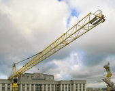 The crane against clouds — Stock Photo