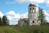 Destruiu as torres do antigo mosteiro — Foto Stock