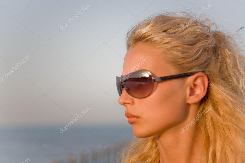 blond-und-vollgespritzt-onlayn