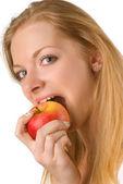 девочка с яблоком — Стоковое фото