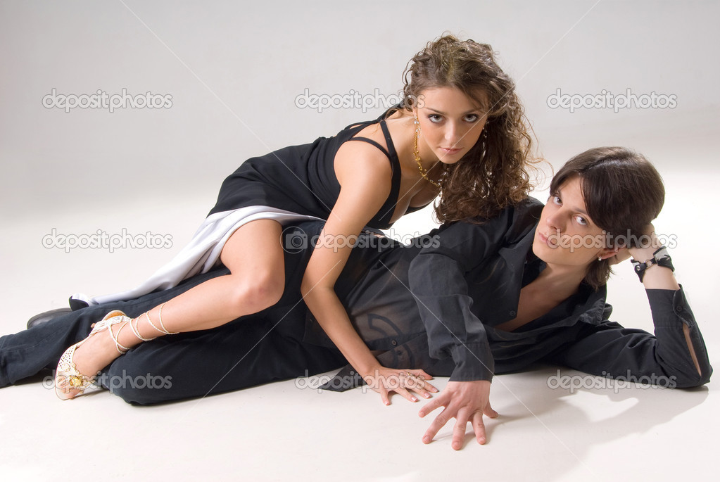 Passionate young couple caught in a sexy moment — Stock Photo #1164079