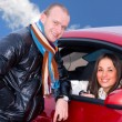 Couple in a car — Stockfoto