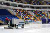 Ice resurfacing machine — Stock Photo