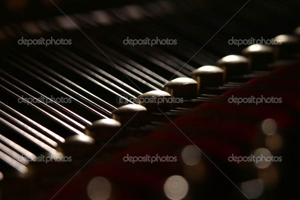 Inside of a musical instrument of a grand piano — Stock Photo #1113986