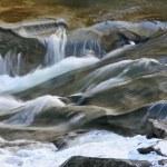 Rio de montanha — Foto Stock