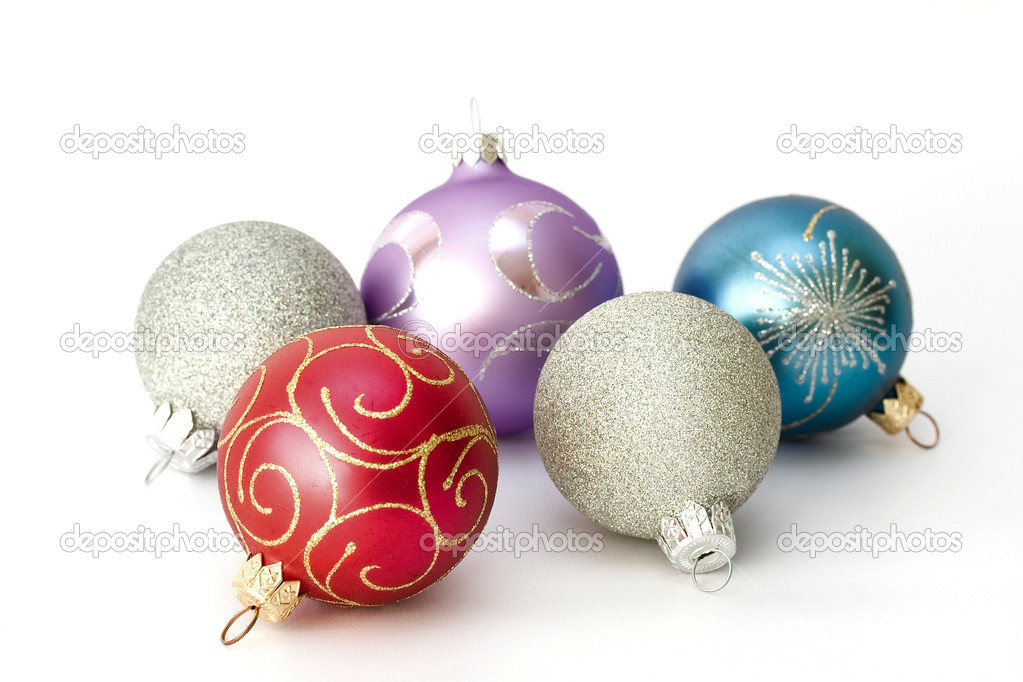 Five different color christmas balls isolated on white background — Stock Photo #1142147