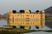 Water Palace On The Lake In Jaipur — Stock Photo
