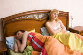 Slapeloosheid. problemen in bed — Stockfoto