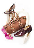 Modern still-life with shoes and bag — Stock Photo