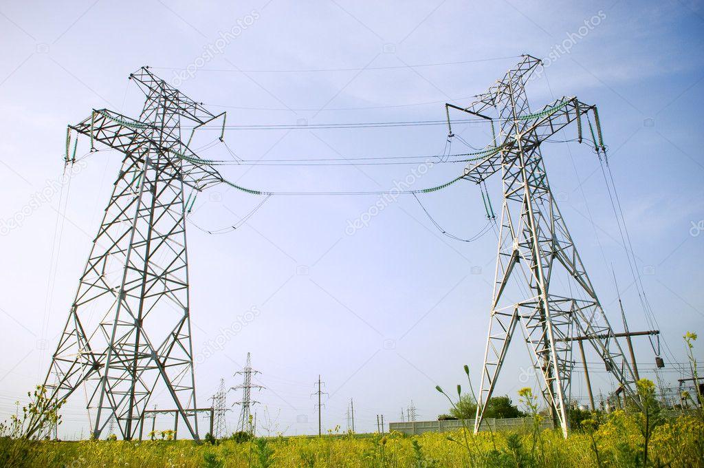 输电塔结构— 照片作者