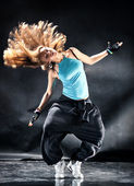 Young woman modern dance — Stock Photo