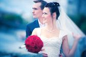 Młoda para ślub — Zdjęcie stockowe