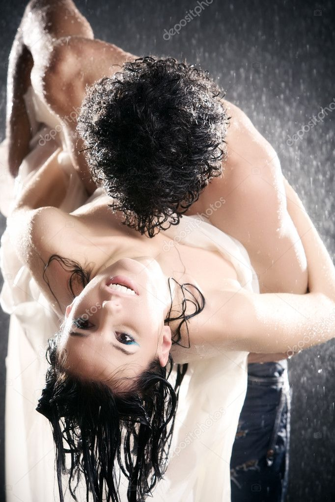 Young sexy couple passion. Water studio photo. — Stock Photo #1195244