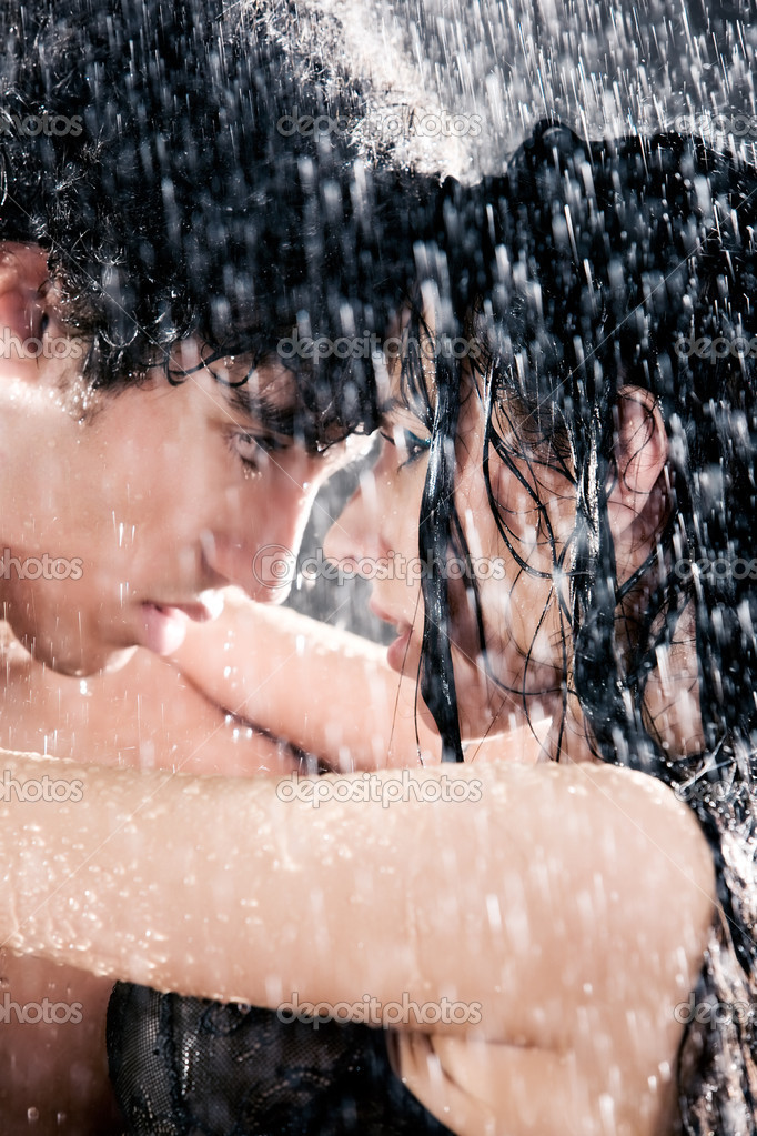 Couple passion portrait. Water studio photo. — Stockfoto #1195318