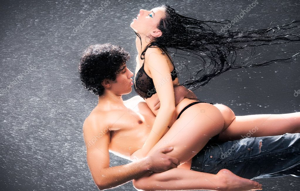 Young sexy couple. Water studio photo.  Stok fotoraf #1195457