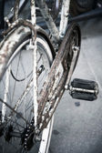 Old rusty bicycle closeup — Stock Photo
