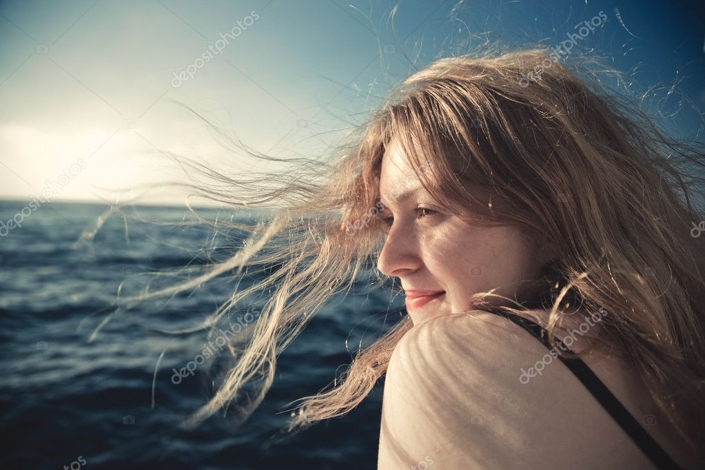 Young woman sea travel concept portrait. — Stock Photo #1362514
