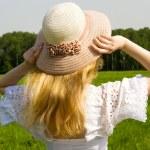 kadın şapka ile — Stok fotoğraf #1652332