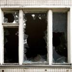 ventana rota — Foto de Stock