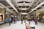 Velké moderní obchodní centrum — Stock fotografie