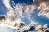 Blue dramatic sky wtih clouds — Stock Photo