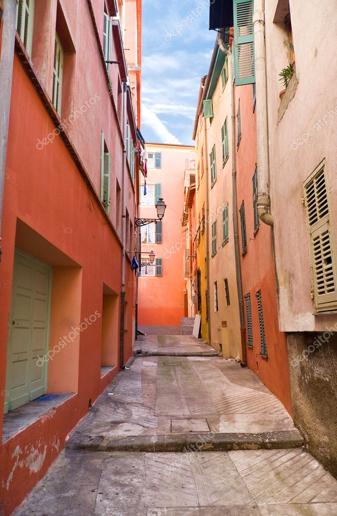 Italian town narrow street. Wide angle view. — Stock Photo #1730612