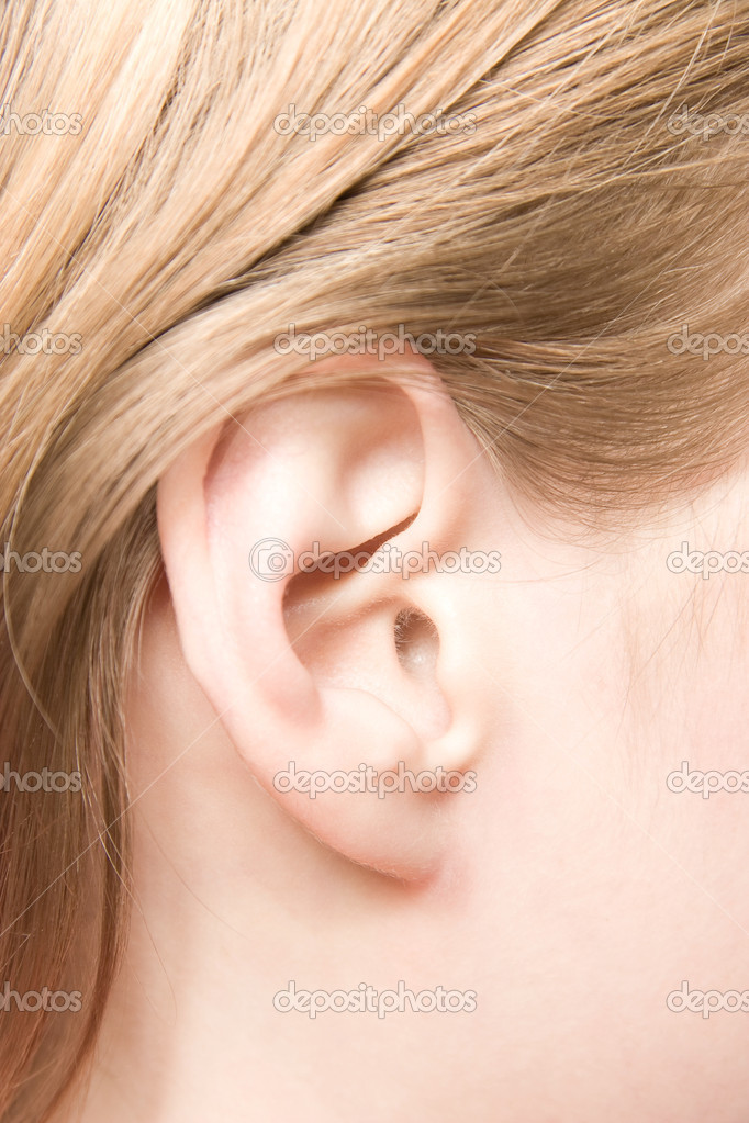 Young caucasian woman ear closeup. — 图库照片 #1730744