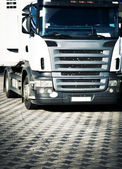Heavy truck front view — Stock Photo