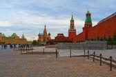 Rudé náměstí, kreml a spasskaja tower, moskva — Stock fotografie