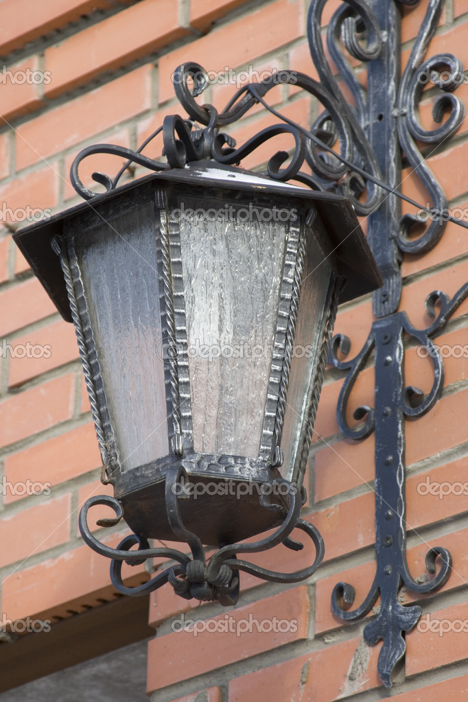 Street lantern photographed in the clear winter afternoon — Stock Photo #1380241