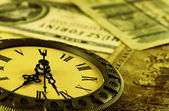 Time is money stylized as antiqu — 图库照片