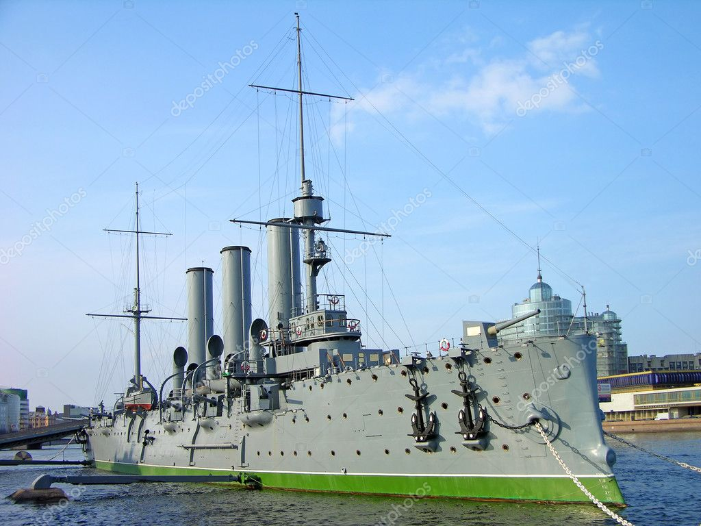 Aurora cruiser museum, Saint-Petersburg, Russia — Stock Photo #1243429
