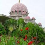Putra Mosque in Putrajaya, Malaysia — Stock Photo #1419494