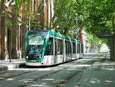 Moderne tram in barcelona — Stockfoto