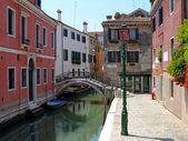 Calle veneciana, Italia — Stockfoto