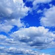 Clouds in blue sky — 图库照片