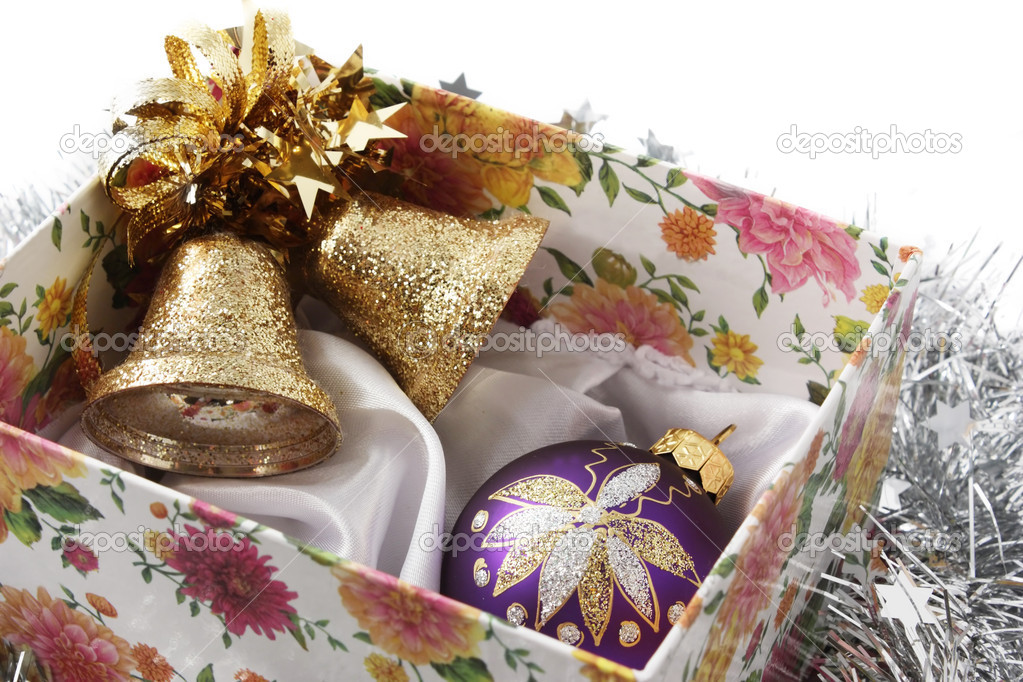Christmas handbells and fir-tree toy in a box — Zdjęcie stockowe #1277614