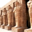 Ancient statues in Karnak temple — Stock Photo