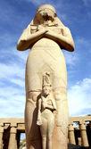 Ramses II statue and Nefertari — Stock Photo