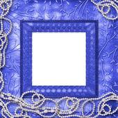 Houten frame met parels op de leafage-o — Stockfoto