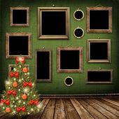 Julgran med bollar och rosetter — Stockfoto