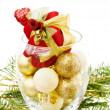 Рождественский подарок и Золотой Фенечки — Стоковое фото