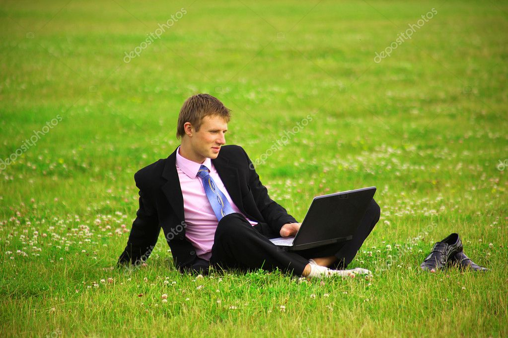 Businessman working with a laptop  — Stock Photo #1147410