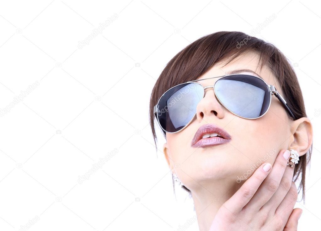 Beautiful woman in the black fashion sunglasses — Stock Photo #2536082