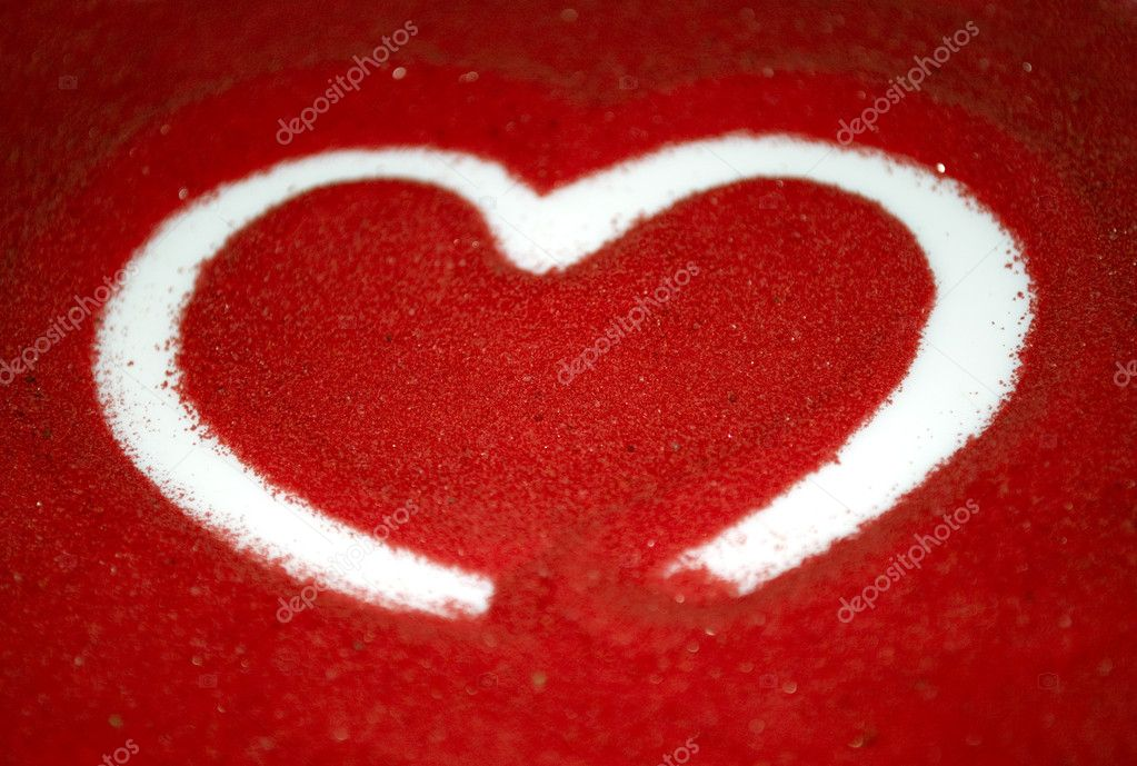 A heart drawn on red sand — Stock Photo #1641818