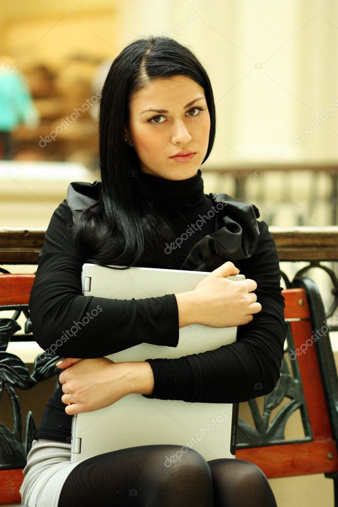Portrait of a young business woman  — Stock Photo #1269901