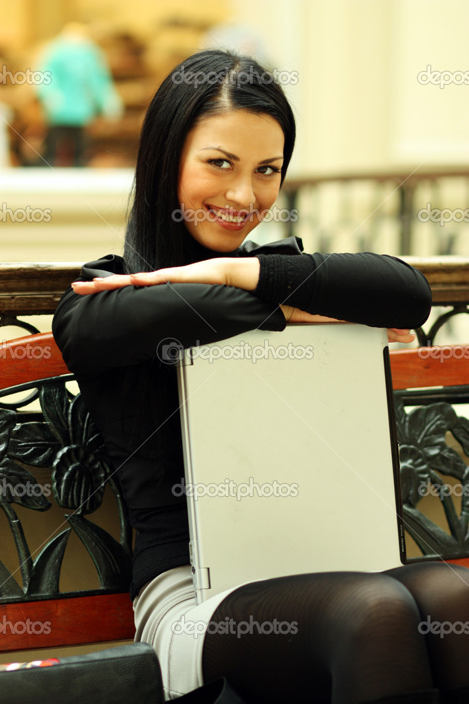 Portrait of a young business woman  — Stock Photo #1269915