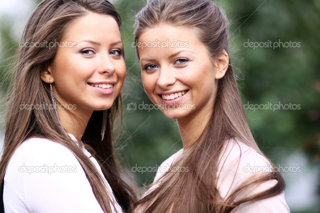man dating two twins Would i be jealous of the relationship two twins i don't think sharing a set of twins with another man home dating would any of you guys date twins.