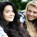 Blonde against the brunette — Stock Photo #2487998