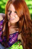 Retrato da menina ruiva linda — Foto Stock